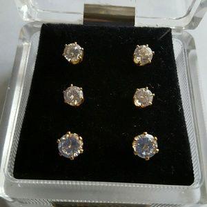 Jewelry - Beautiful Crystal & Gold Earring   Cubic Zirconia
